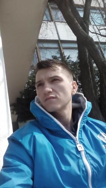 ioanut, barbat, 27 ani, BUCURESTI