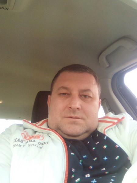 Victoras_micutul, barbat, 39 ani, Marea Britanie