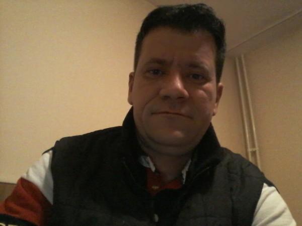 mm1976, barbat, 41 ani, Ploiesti