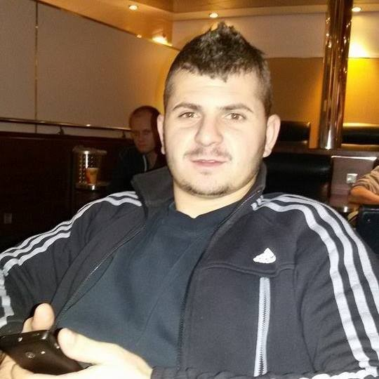 Costin_92, barbat, 27 ani, Ramnicu Valcea