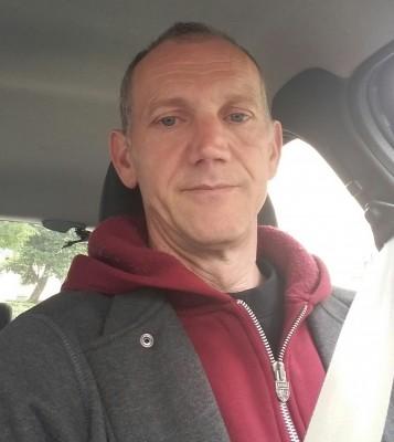konar, barbat, 53 ani, Brasov