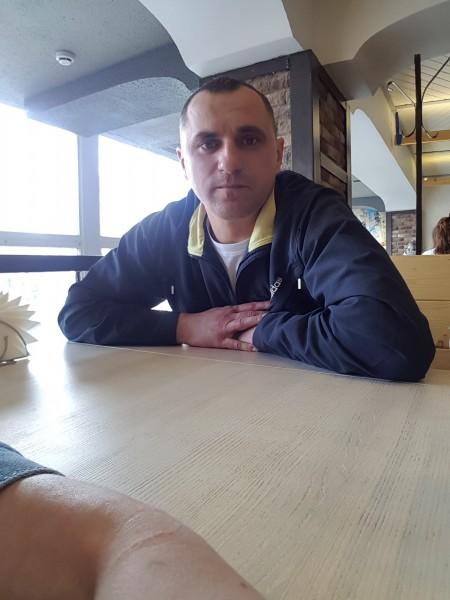 Tarantino46, barbat, 35 ani, Moldova