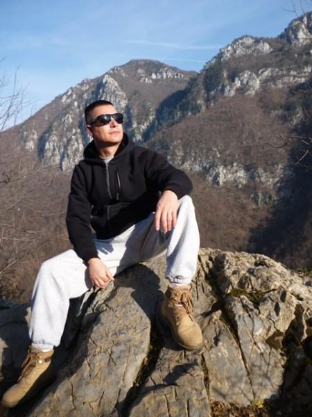mihnea_, barbat, 46 ani, Targu Jiu