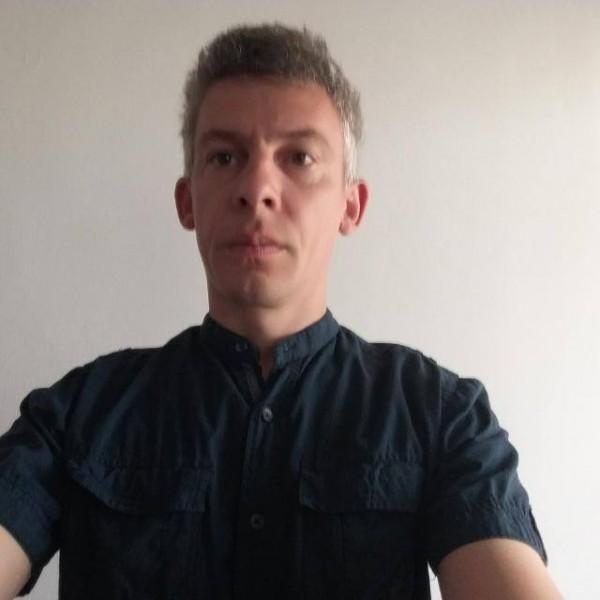remus81, barbat, 37 ani, Arad
