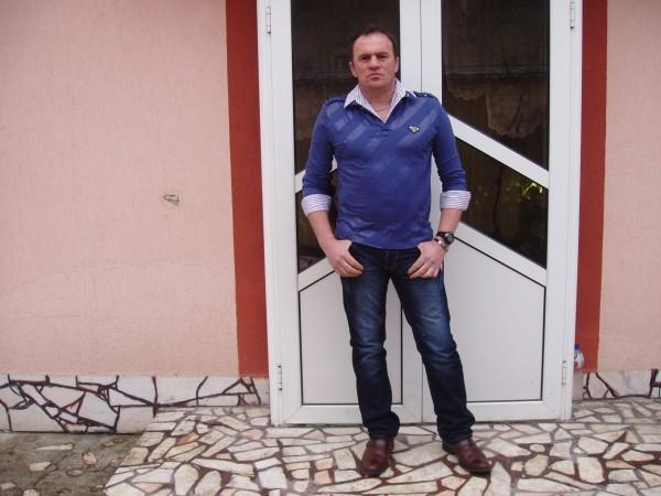 geomirt, barbat, 47 ani, Romania
