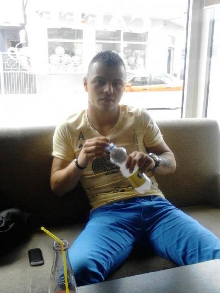 Al3xandru20015, barbat, 30 ani, Ramnicu Valcea