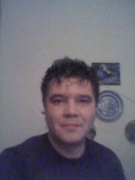 eduarded, barbat, 46 ani, Marea Britanie