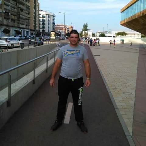 maryomar11, barbat, 31 ani, Targu Jiu