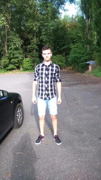 Adrian_adi93, barbat, 24 ani, Galati