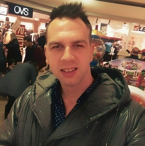 Bebetto05, barbat, 30 ani, Romania