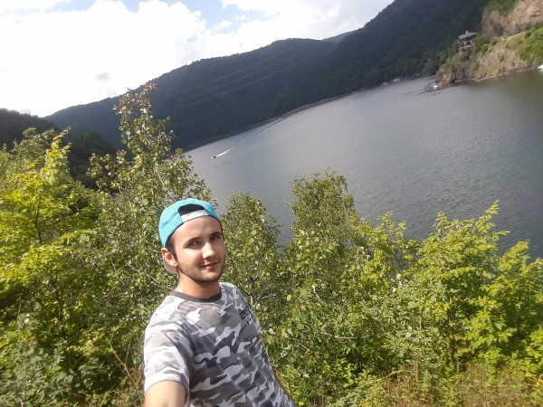 CatalinBude, barbat, 18 ani, Cluj Napoca