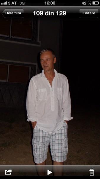 rares, barbat, 48 ani, Austria