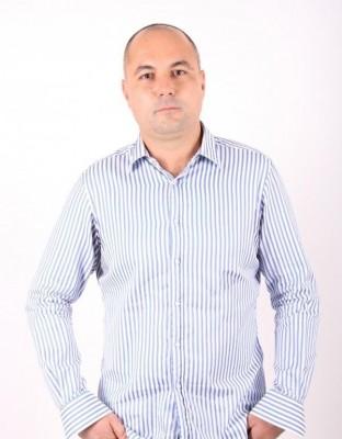 Mihail_C, barbat, 40 ani, BUCURESTI