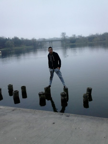 alex9494, barbat, 25 ani, BUCURESTI