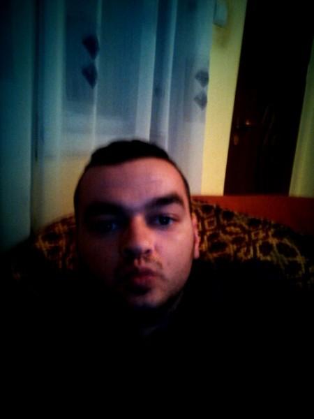 gabriel130295, barbat, 29 ani, Targoviste
