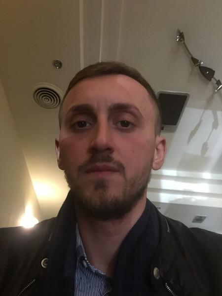 FlorianH, barbat, 30 ani, Italia
