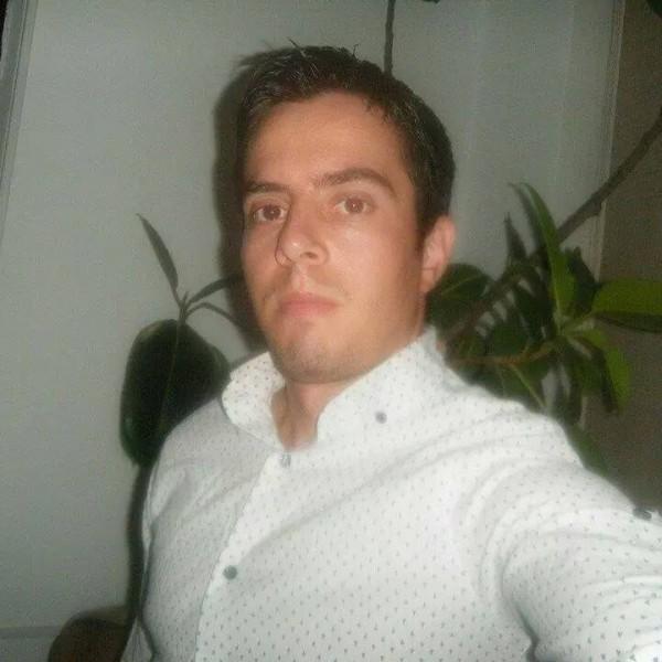 AL3XANDRU1989, barbat, 30 ani, BUCURESTI
