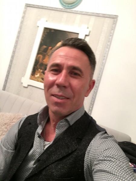 Leo121, barbat, 44 ani, Elvetia