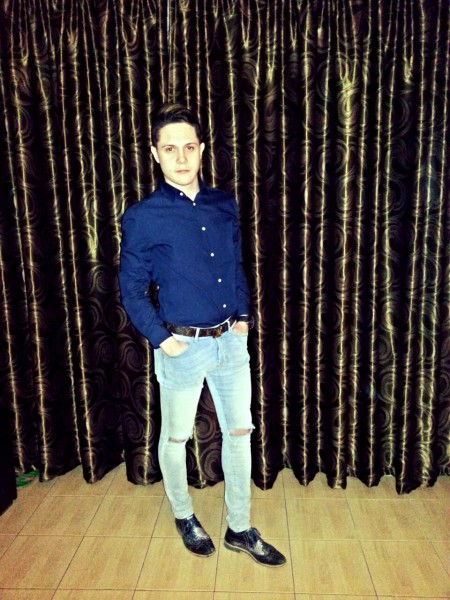 Laurentiu2209, barbat, 26 ani, BUCURESTI