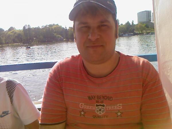 burluiflorentin, barbat, 37 ani, BUCURESTI