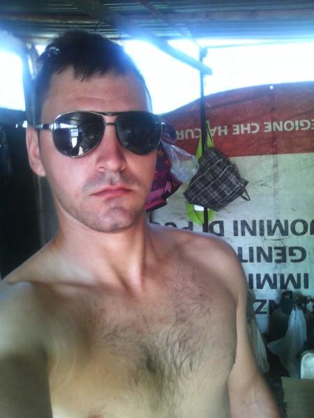 nicolas24, barbat, 27 ani, Targu Jiu