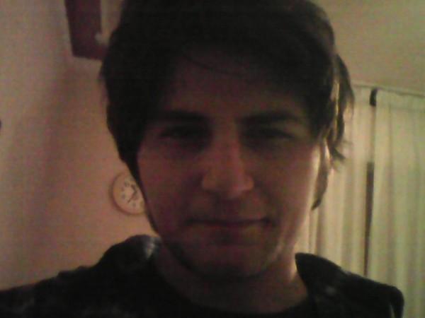 GeorgeBzkt, barbat, 24 ani, Galati