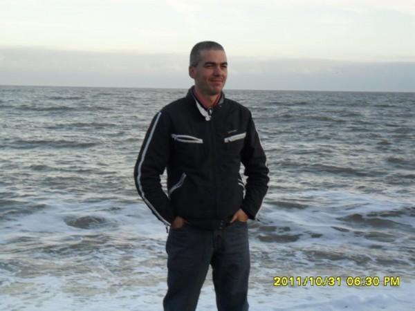 Cristinel75, barbat, 44 ani, Suceava