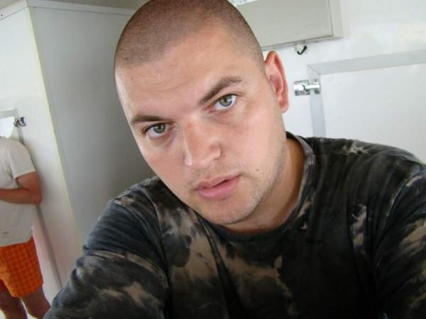 rares81bv, barbat, 36 ani, Brasov