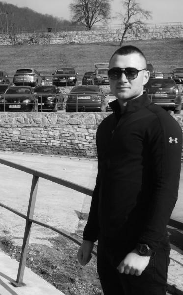 Alexandru_19, barbat, 28 ani, BUCURESTI