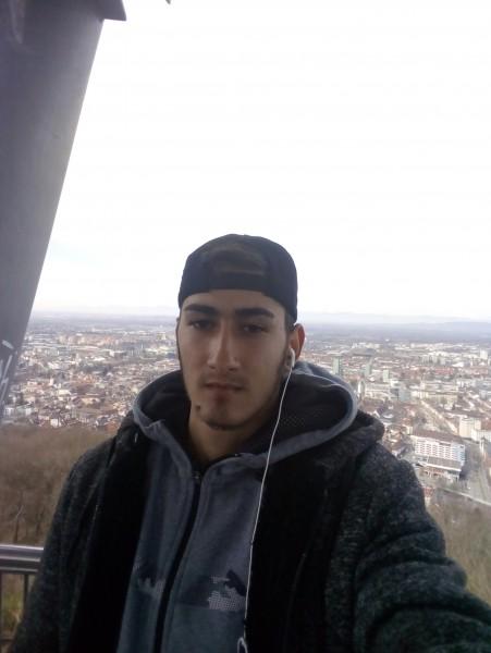 Ionut4321, barbat, 20 ani, Ramnicu Valcea
