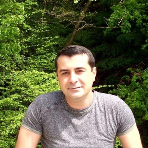 Geo79geo, barbat, 39 ani, Targu Jiu
