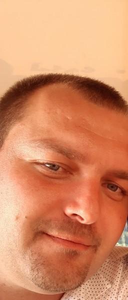 szjlevente, barbat, 33 ani, Sacele
