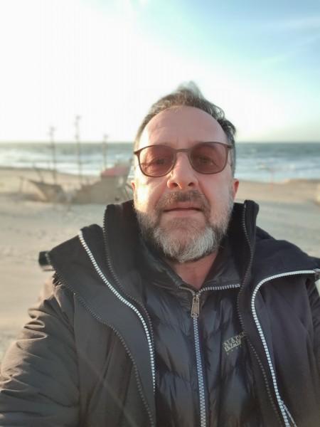LMN, barbat, 51 ani, BUCURESTI