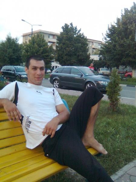 Ionutzbur, barbat, 31 ani, Targu Jiu