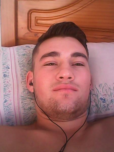 julyano, barbat, 26 ani, Romania