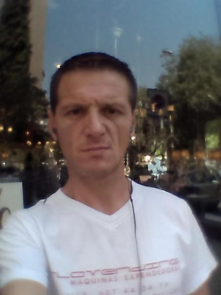 alex_macedon, barbat, 45 ani, Spania