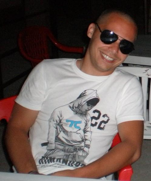 Andy_Pas, barbat, 30 ani, Targoviste