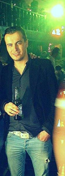 Andreiii30, barbat, 33 ani, Mioveni