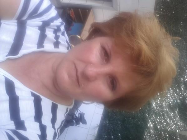 bucur45, femeie, 48 ani, Germania
