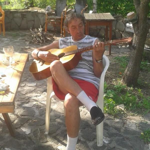 Viorel_V, barbat, 67 ani, BUCURESTI