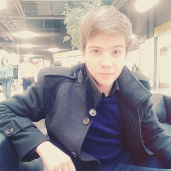 Cosminxxxx, barbat, 23 ani, Tecuci