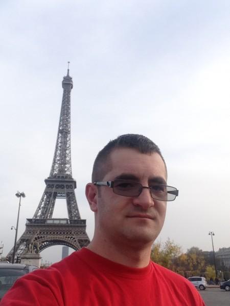 GeorgeMihai26, barbat, 30 ani, Petrosani