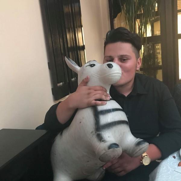 AlexandruMarius4, barbat, 22 ani, Cluj Napoca
