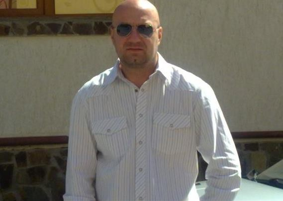 Ionut_13, barbat, 39 ani, Brasov