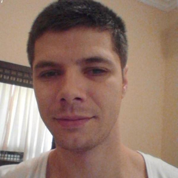 Ionut1404, barbat, 35 ani, Targoviste