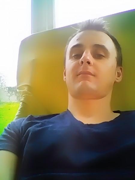 raullorenzo, barbat, 26 ani, Arad