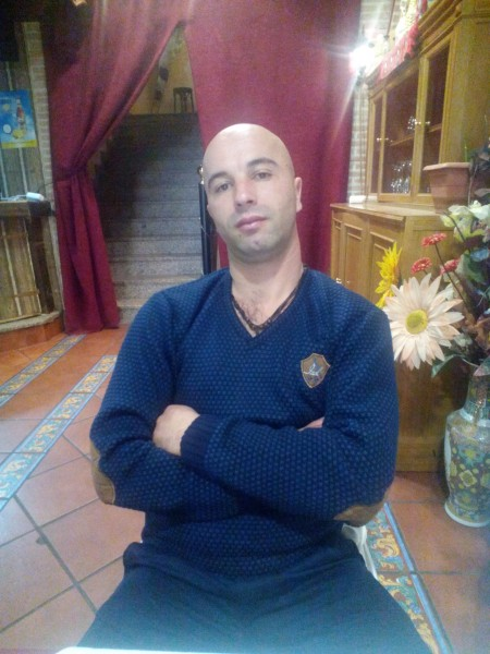 ionel4, barbat, 31 ani, Bacau