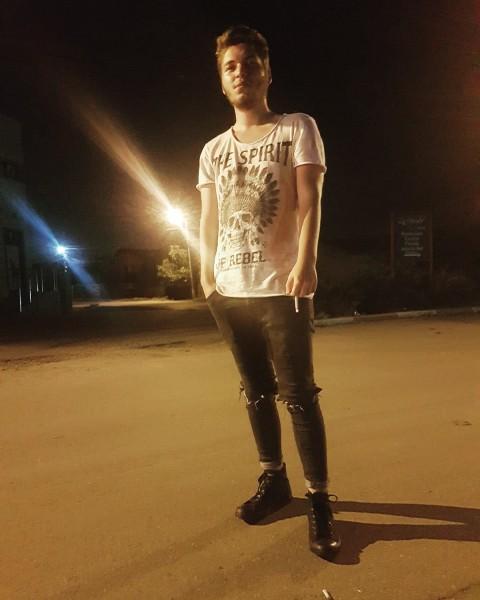 Chrrx7, barbat, 20 ani, Ploiesti