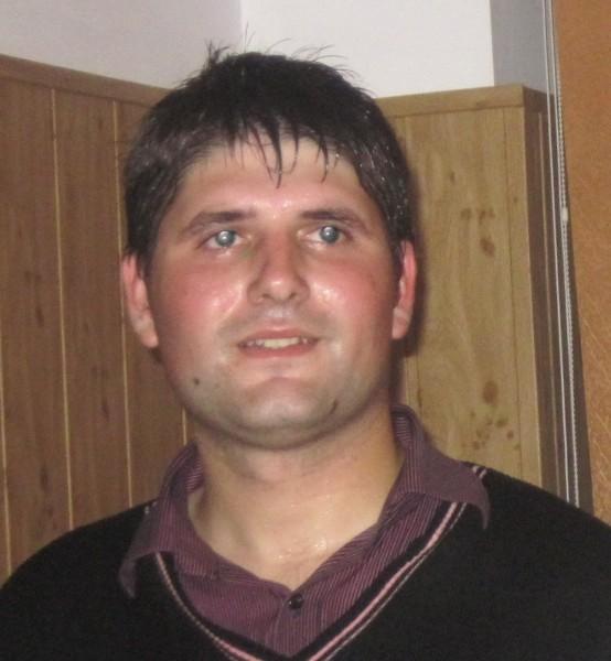 florinb42, barbat, 30 ani, Targu Jiu