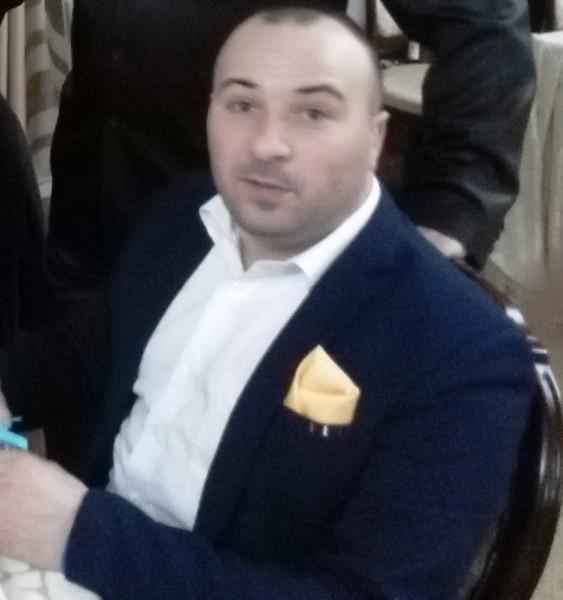 007V, barbat, 36 ani, Romania